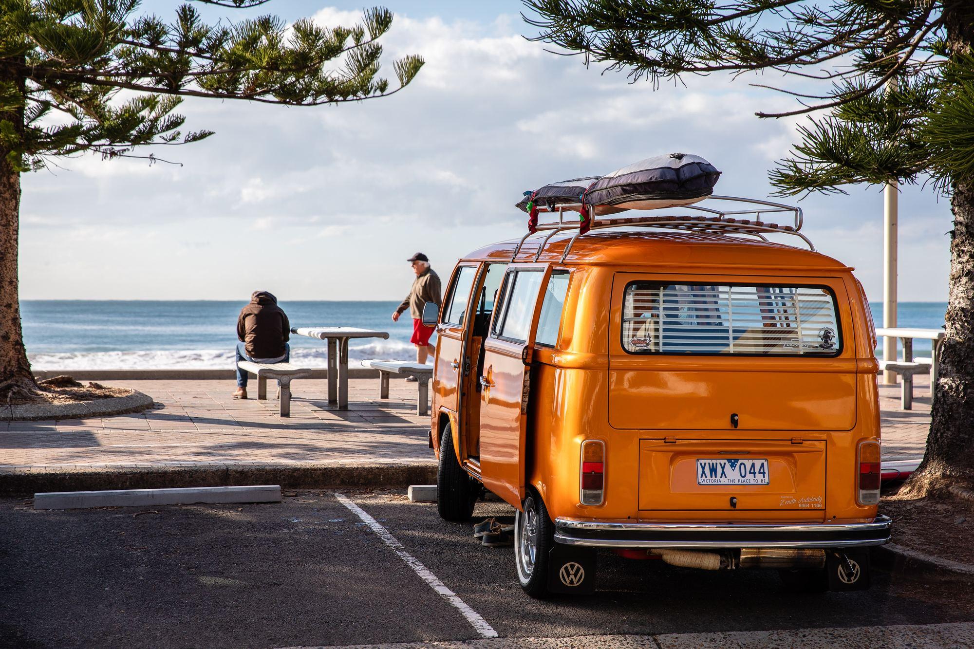 Orange hippyvan