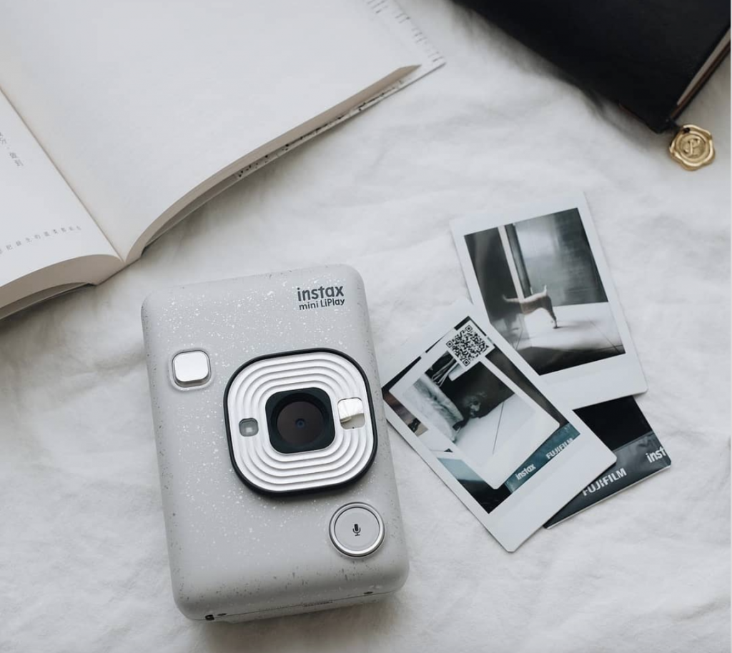 phone addict gift guide: analogue camera