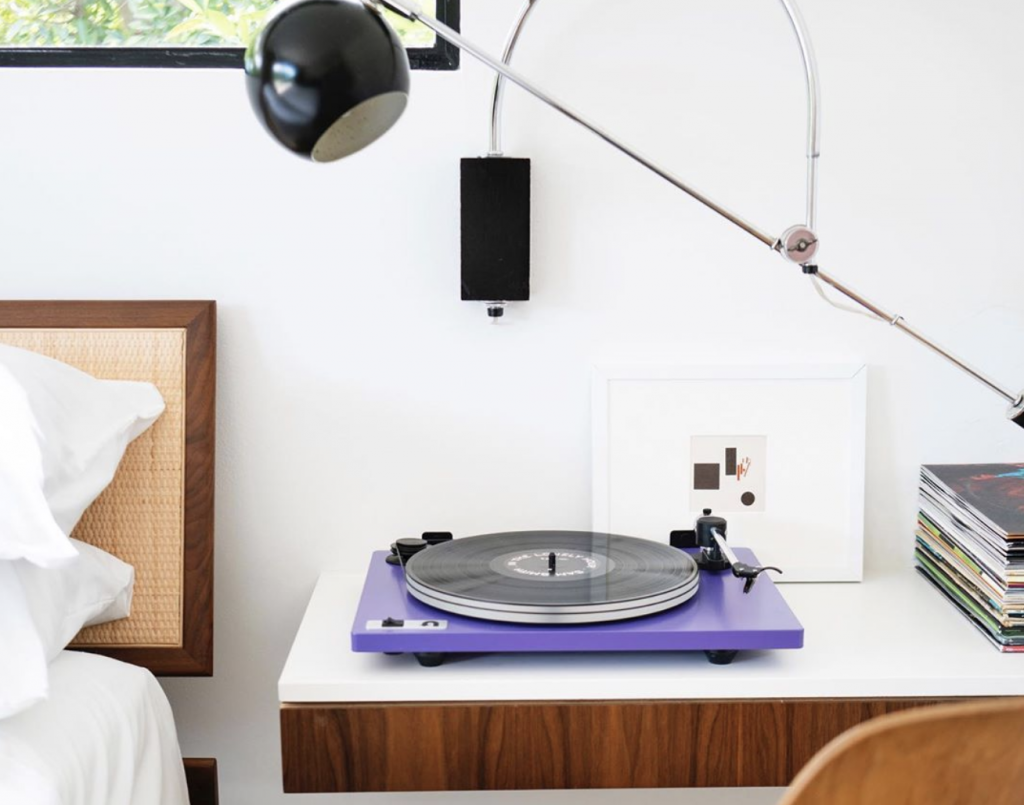 digital detox gift guide vinyl turntable